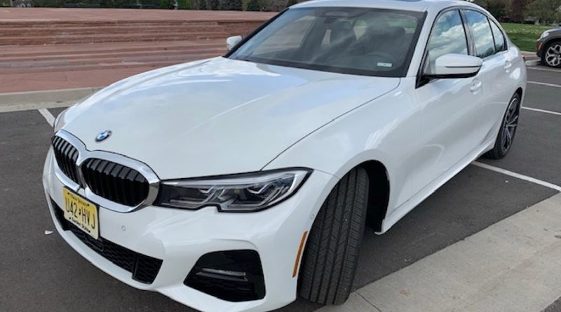 2019 Bmw 330i Xdrive Sedan Small Car Luxury That Makes Your Day A Breeze Queer Forty